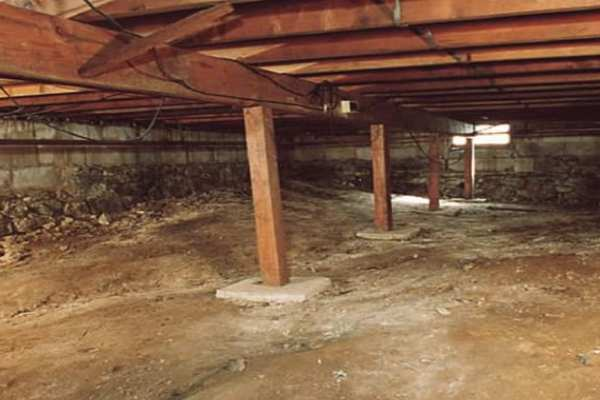 crawlspace cleaning